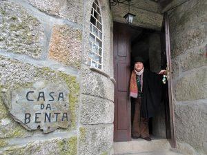 Read more about the article VisitLafões homenageia Isabel Silvestre pelo seu 80º aniversário.